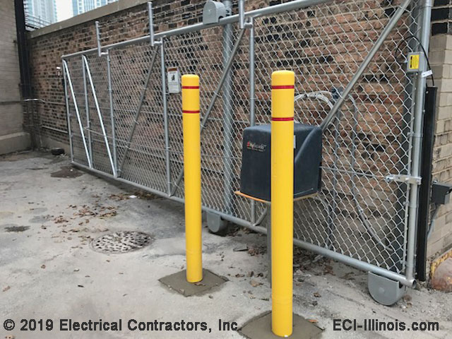 Slide Gate and Bollards at Union Pacific RR Chicago IL