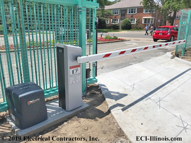 Slide Gate Operator and Long Barrier - Chicago